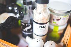En las comidas, sal y un poco de plástico -