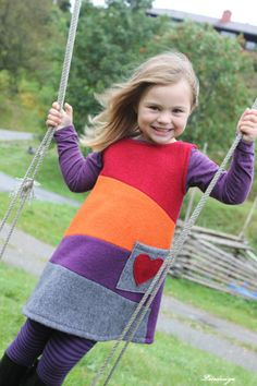 Ullkjoler med gøye farger Apron, Sweaters, Dresses, Fashion, Gowns, Moda, La Mode, Pullover, Sweater