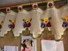 Çiçek motifli ve dililmli Örgü perde modelleri