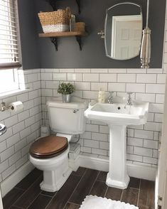Sunday morning clean before I work out what I'm going to do with my day! Hall Bathroom, Upstairs Bathrooms, Bathroom Wallpaper, Bathroom Interior, Bad Inspiration, Bathroom Inspiration, Casa Rock, Small Toilet Room, Victorian Bathroom