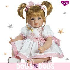 ¡Qué empiece la fiesta!  #HappyBirthday de #Adora ya está lista para celebrar su cumpleaños y el de cualquier amiguito. Lleva un vestido blanco con dos apliques, uno de un #cupcake con una vela y otro de unos globos, ideal para asistir a cualquier fiesta. Si tú quieres celebrar una fiesta, con ella te lo pasarás genial. ¡Sin duda es un regalo adorable!  #AdoraDolls #Muñecas #Dolls