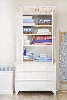 Laundry cupboard - if only I had room for a cupboard just for towels and sheets!!