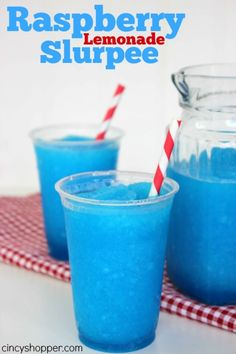 So simple and an inexpensive cold summer trea… Raspberry Lemonade Slurpee Recipe. So simple and an inexpensive cold summer treat. Kid Drinks, Frozen Drinks, Non Alcoholic Drinks, Summer Drinks, Beverages, Candy Drinks, Blue Drinks, Frozen Drink Recipes, Drinks Alcohol