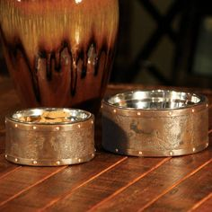 Made from reclaimed steel drums, our eco-friendly Briggs Pet Feeder by Unleashed Life uses the simple appeal of industrial design to produce a fantastically modern pet dish.        The aged-metal exterior of each dish is truly unique in both color and texture.                            Stainless steel bowl included                            Ergonomic, contemporary design                                One-year warranty