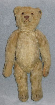 Vintage Steiff Teddy.....a wonderful bear !  Photo via web....