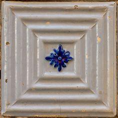 Azulejos Portugueses - 69 Handmade tiles can be colour coordinated and customized re. shape, texture, pattern, etc. by ceramic design studios Tile Patterns, Pattern Art, Tile Art, Mosaic Tiles, Mediterranean Tile, Tuile, Tiles Texture, Portuguese Tiles, Tile Design