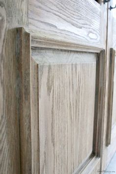 Whitewash kitchen cabinets - How to get a rustic, bleached wood finish – Whitewash kitchen cabinets Stripping Furniture, Paint Furniture, Furniture Projects, Rustic Furniture, Furniture Makeover, Antique Furniture, White Washed Furniture, Furniture Design, Cheap Furniture