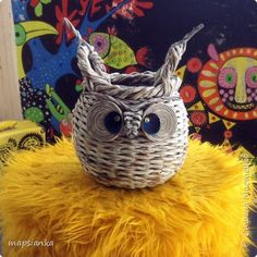 Fun Crafts, Diy And Crafts, Crafts For Kids, Arts And Crafts, Newspaper Basket, Newspaper Crafts, Owl, Basket Weaving, Wicker