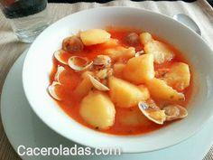 Fabulosa receta de patatas con chirlas. Un guiso sencillo, tradicional y con mucho sabor para hacer de manera fácil y sin complicaciones.