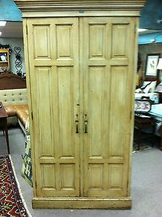 GORGEOUS ANTIQUE PAINTED PINE CABINET/LOCKER/GUN CABINET circa 19th Century