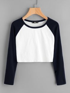Shop Two Tone Raglan Sleeve Crop Tee online. SheIn offers Two Tone Raglan Sleeve Crop Tee & more to fit your fashionable needs. Teen Fashion Outfits, Mode Outfits, Fashion Clothes, Casual Outfits, Girl Outfits, Fashion Dresses, Women's Fashion, Fashion Black, Casual Dresses