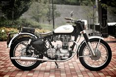 Royal Enfield-Bullet 350 by Motor Garage Goods Enfield Bike, Enfield Motorcycle, Bobber Motorcycle, Royal Enfield Bullet, British Motorcycles, Vintage Motorcycles, Custom Motorcycles, Custom Bikes, Guzzi V7