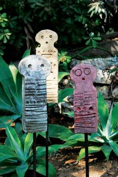Sculptor Stan Bitters is a pioneer of the organic modernist craft movement in the 1960s. .....I would love these little guys in my garden!!