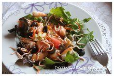 Ensalada de brotes y pasta con surimi