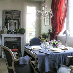 Casually styled curtain & tablecloth - Interior Decorating, Home Design, Room Ideas - DigsDigs