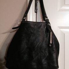 """Cole Haan handbag Black leather hobo COLE HAAN PURSE. 12""""tall x12"""" wide ... Soft leather ... If you need more pics ask Cole Haan Bags"""