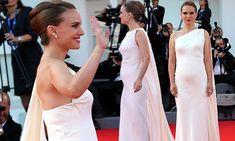 Pregnant Natalie Portman unveils her baby bump at Planetarium