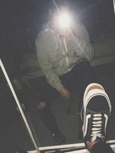 Aesthetic Boy, Aesthetic Grunge, Aesthetic Photo, Photography Poses For Men, Tumblr Photography, Grunge Boy, Mirror Pic, Boy Pictures, Tumblr Boys