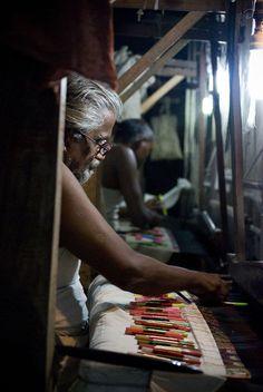 Silk Looms, Varanasi - Banarasi sari - Wikipedia, the free encyclopedia