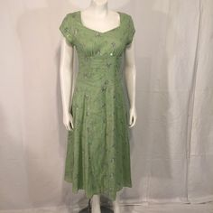 Jody California Pale Green Floral Sequins Embroidered Short Sleeve Vintage 5 6 Extra Small XS 80s Eighties Made in USA by CarolinaThriftChick on Etsy $21.99
