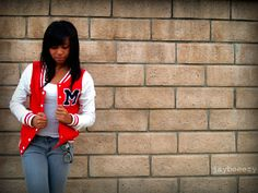 When I was I wanted a boyfriend with a letterman jacket that I could wear. When I was 14 I decided I just wanted the jacket. Teenagers, I had this idea 15 years ago. Senior Shirts, Teen Photography, Senior Pictures, Senior Pics, Uk Fashion, Fall Looks, Letterman Jackets, Baseball Jackets, Varsity Jackets