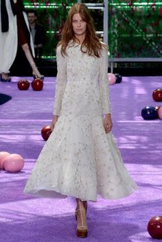 Dior's Fall couture show brought a magical 16th century work of art to life.
