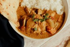 Make your favorite Indian dish at home, it is easy and so delicious! Chicken Tikka Masala has aromatic golden chicken pieces swimming in an incredible curry sauce, this recipe is one you will love! Easy Indian Recipes, Vegetarian Recipes Easy, Healthy Chicken Recipes, Creamy Pasta Dishes, Chicken Tikka Masala, Indian Dishes, Yum Yum Chicken, Dinner Recipes, Stuffed Peppers