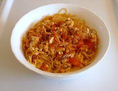 el Pasaplatos: Espaguetis con Salsa de Pescado.