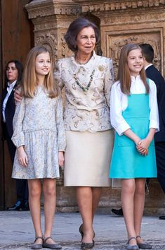 Queen Sofia (C), Infanta Sofia of Spain (R) and Princess Leonor of Spain (L) attend the Easter mass on April 1, 2018 in Palma de Mallorca, Spain.