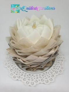 TUTORIAL, water lily original pattern, no sew quilted lotus flower, step by step instructions, DIY fabric flower Flower Step By Step, Quilted Ornaments, Flower Template, Fabric Flowers, Lotus Flowers, Diy Kits, Hostess Gifts, Step By Step Instructions, 3 D