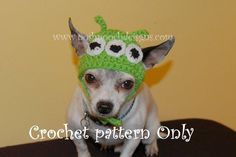 Dog Hat - 3 Eyed Green alien Dog hat for small dogs lbs Crochet Quilt, Crochet Blanket Patterns, Hat Patterns, Knitting Patterns, Alien Hat, Dog Beanie, Small Dog Sweaters, Toy Story Costumes, Crochet Beanie Hat