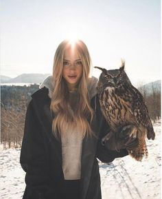Reunited w Bubo in Eden by for a freezing but beautiful New Years Shoot! Girl Photography, Amazing Photography, Mountain Photography, Morning Photography, Editorial Photography, Poses, Charly Jordan, Especie Animal, Portraits