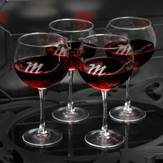 http://shop.o2o.com/item.php?LBB-LdJ513Q3b-53235 Specially designed for that favorite red vintage, our quartet of four personalized red wine glasses will please the wine connoisseur in your life. Attractively personalized with a modern script-style monogram, these glasses are delicate but sturdy and make a great bridesmaid or housewarming gift. Cheers!
