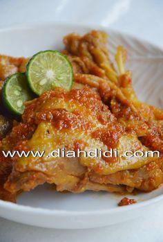 Diah Didi's Kitchen: Ayam Rica Chicken Appetizers, Chicken Recipes, Indonesian Chicken Recipe, Kitchen Recipes, Cooking Recipes, Indonesian Cuisine, Indonesian Recipes, Diah Didi Kitchen, Malay Food