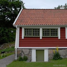 House Doors, Garage Doors, Finland, Barn, Windows, Craft, Outdoor Decor, Home Decor, Converted Barn