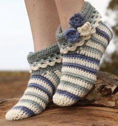 "Terrific Absolutely Free grandmas Crochet slippers Concepts Annabelle – Gehäkelte DROPS Hausschuhe in ""Nepal"". – Gratis oppskrift by DROPS Design Crochet Boots, Love Crochet, Crochet Clothes, Crochet Baby, Knit Crochet, Knitted Baby, Beautiful Crochet, Crochet Flowers, Baby Knitting"