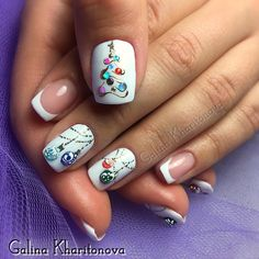 Pretty Christmas nail art. Winter nail design trends.  Christmas tree ornaments