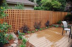 Image of Lattice Fence Design Completes a Perfect Garden Decoration in Your Home with Artistic Look Modern Fence Panels, Lattice Fence Panels, Lattice Garden, Modern Fence Design, Garden Fence Panels, Garden Fencing, Patio Design, Garden Design, Privacy Wall On Deck