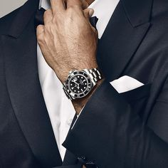 Recognizable among thousands, the Submariner remains the infallible tool that it was designed to be from the start, and a watch with such charisma that its appeal extends beyond the marine world. @tigerwoods