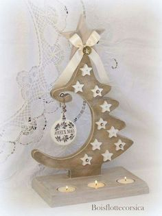 Get A Lifetime Of Project Ideas and Inspiration! Step By Step Woodworking Plans Christmas Tree Candles, Christmas Wood Crafts, Wooden Christmas Trees, Christmas Art, Christmas Projects, Handmade Christmas, Holiday Crafts, Christmas Ornaments, Xmas Decorations