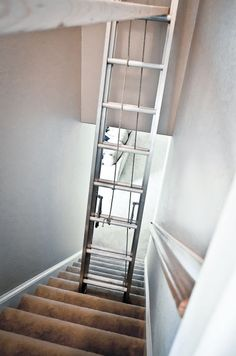 it proper : how to paint a tall stairwell Painted Staircases, Painted Stairs, Staircase Painting, Ceiling Painting, House Painting, Grande Cage D'escalier, Decorating Stairway Walls, Stairwell Wall, Hallway Paint