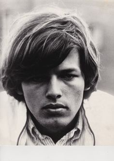 Wow, this photo of a young DG reminds me so much of my Boyfriend in Jr. High School back in the 70's!! He was a HUGE Pink Floyd/Dave Gilmour fan and was the reason I became a fan. We were young kids, but the music of the day was such a big part of our lives. 'The Dark Side Of The Moon' album has many memories for us and still to this day when I hear the songs from this record, I think of him and wonder how he is doing in his life. Steve B. you have always held a special place in my heart. <3