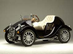 Miluira: A 1920-Inspired Electric Car