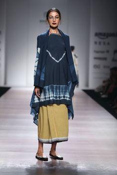 Glamorous Bridesmaid Idea For You :- Wanderlust Fashion . India Fashion Week, Lakme Fashion Week, Fashion Weeks, Indian Fashion, Boho Fashion, African Fashion, Girl Fashion, Fashion Dresses, Street Style Boho