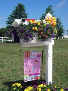 Planters, Flowers And Missouri Mailbox With White Color And Wonderfull Design