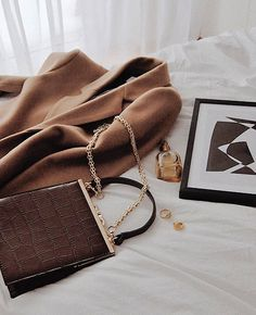 The Latest Handbags You Should Have A Try - Page 6 of 19 - GlamourousWomanGlamourousWoman Dominique Weasley, Latest Handbags, Aesthetic Women, Beige Blazer, Promise Rings For Her, Dainty Jewelry, Jewelry Art, Bottega Veneta, Girl Boss