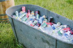 Accessoires cérémonie : bouteilles d eau pour hydrater avant, ombrelle, mouchoirs, confettis!