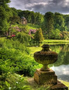 Stourhead, Temple of Apollo, Stourton, England
