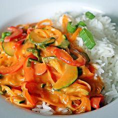Food N, Good Food, Food And Drink, Jamie Oliver, Ratatouille, Wok, Thai Red Curry, Veggies, Low Carb