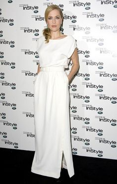 Gillian Anderson Photos Photos - Gillian Anderson wears a waist cinching white gown as she attends the InStyle Magazine's 10th Anniversary event held at Sanctum Soho Hotel. - Gillian Anderson in White